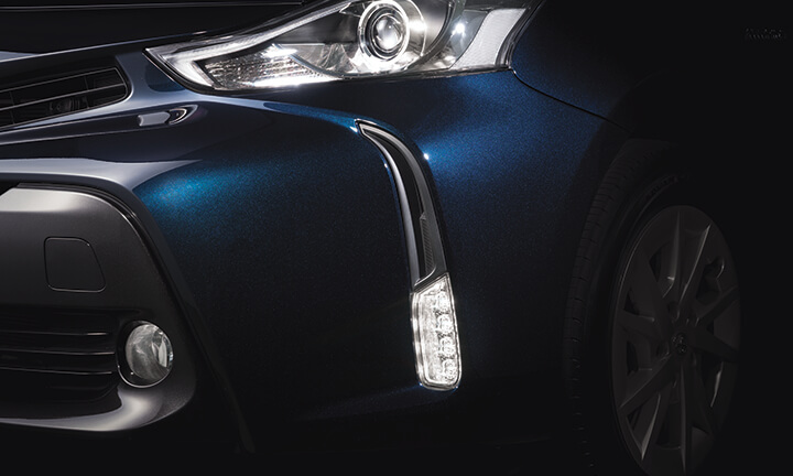 Toyota Prius Plus 7 Seater MPV - LED Headlights