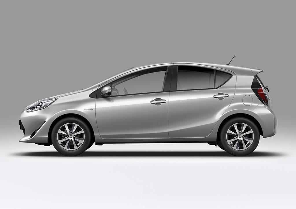 Toyota Prius C | Hatchback Hybrid Car