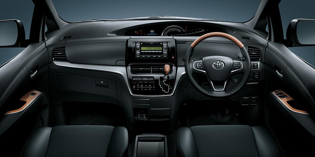 Toyota Previa | 7-seater MPV | Spacious & Luxurious